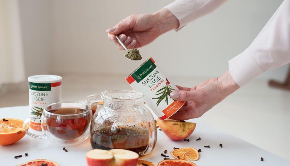 Dlaczego warto pić herbatę z liści rokitnika?